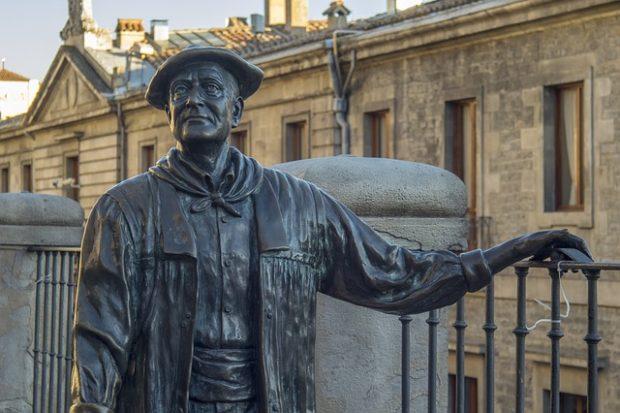 Estatua en Vitoria Gasteiz