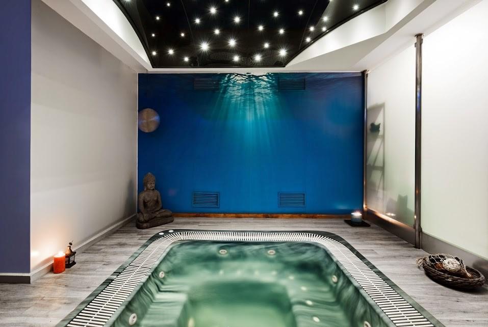 Hoteles con piscina o terraza madrid catalonia hotels for Hoteles con piscina