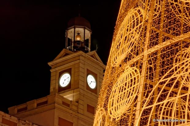 Nochevieja en madrid catalonia hotels resorts for Puerta del sol en nochevieja