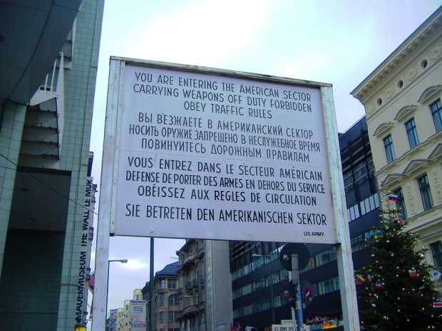 mitte checkpoint Charlie