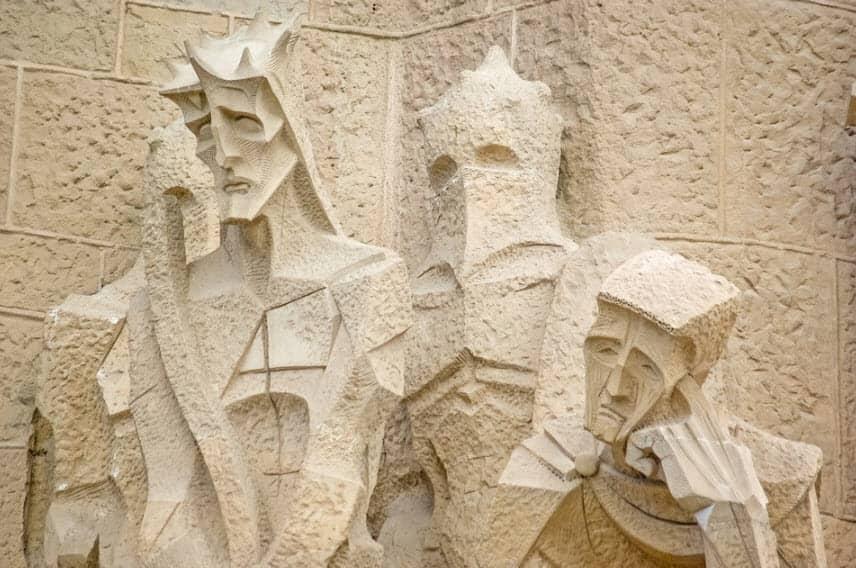 Estatua Gaudí en la Sagrada Familia