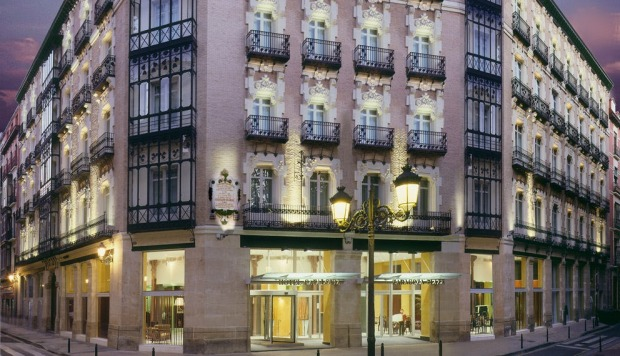 Fachada Hotel Catalonia El Pilar