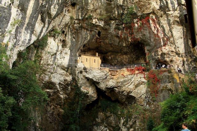 santa cova