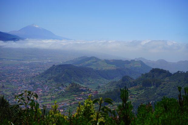Vistas de Tenerife y el Teide de fondo